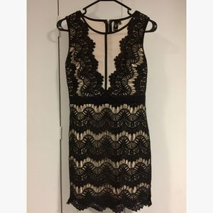 Dresses & Skirts - WINDSOR lace dress